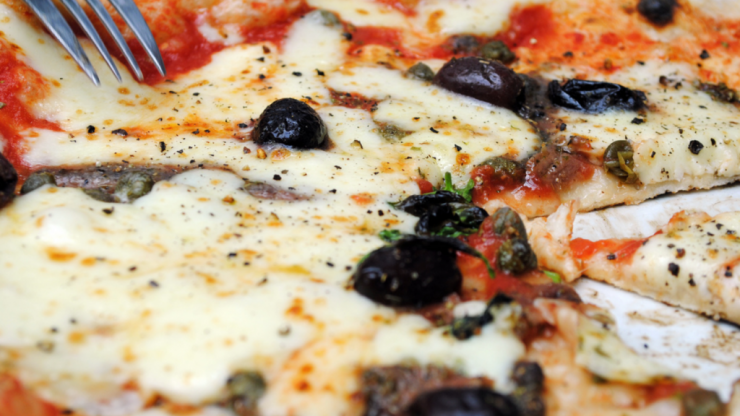 Pizzeria Franco Manca to donate 20,000 pizzas to the homeless this December