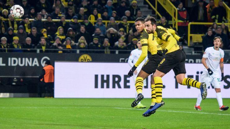 WATCH: Dortmund pull off brilliant training ground free kick routine to fool Bremen defence
