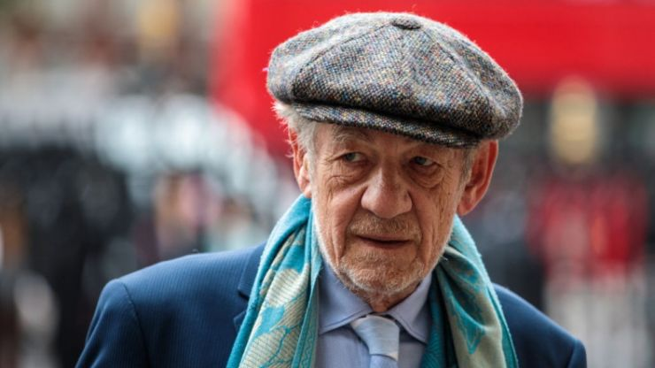 Ian McKellen issues apology over remarks about Kevin Spacey and Bryan Singer