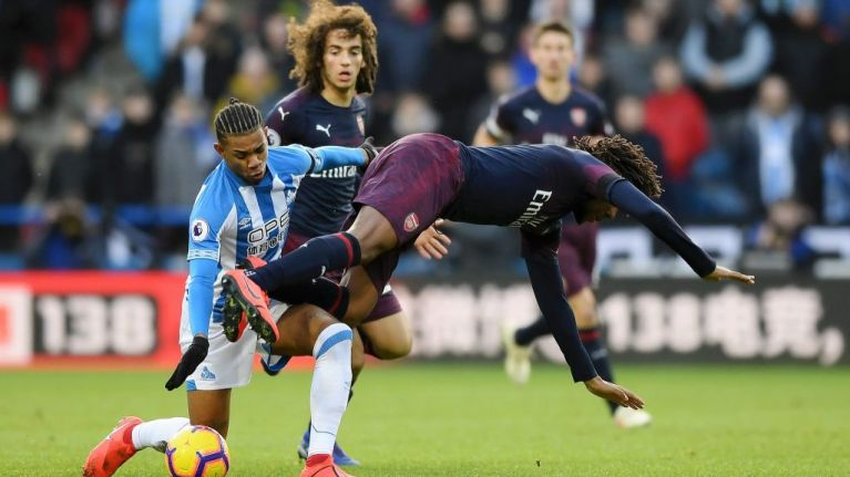 Arsenal subs duck down so supporters can watch Aubameyang penalty