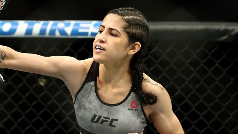Man attempts to rob UFC's Polyana Viana and gets badly beaten up
