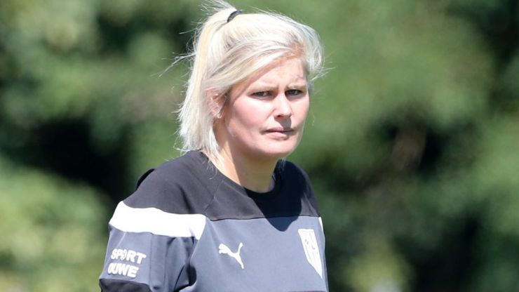 Female football coach puts journalist in his place with cutting response to ridiculous question