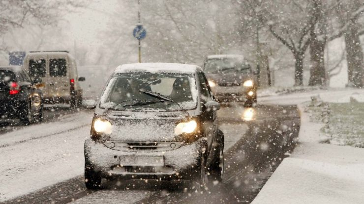 UK braced for eight inches of snow as temperatures are set to fall to -10 degrees