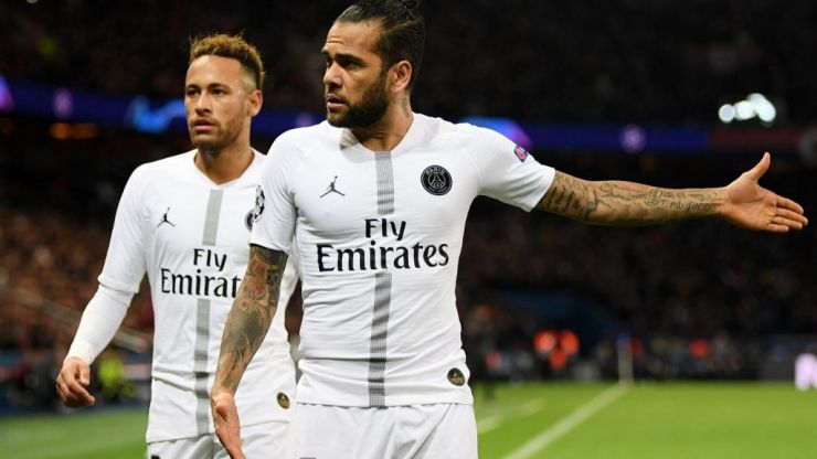 Dani Alves criticises PSG and says his teammates 'don't understand Neymar'