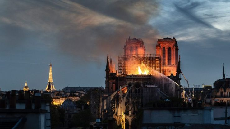 PSG offer 500 tickets to Paris firefighters who extinguished Notre Dame fire