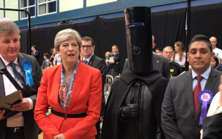 Lord Buckethead to stand against Nigel Farage in European elections