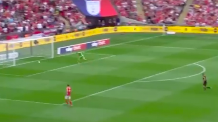 Charlton concede nightmare backpass own goal in the first minutes of playoff against Sunderland