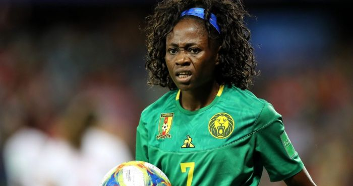 Cameroon's Onguene throws away water given to her by Dutch sub