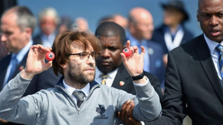 """""""Getting several hundred swastika-emblazoned golf balls was the biggest challenge of my career"""" Simon Brodkin on pranking Trump"""