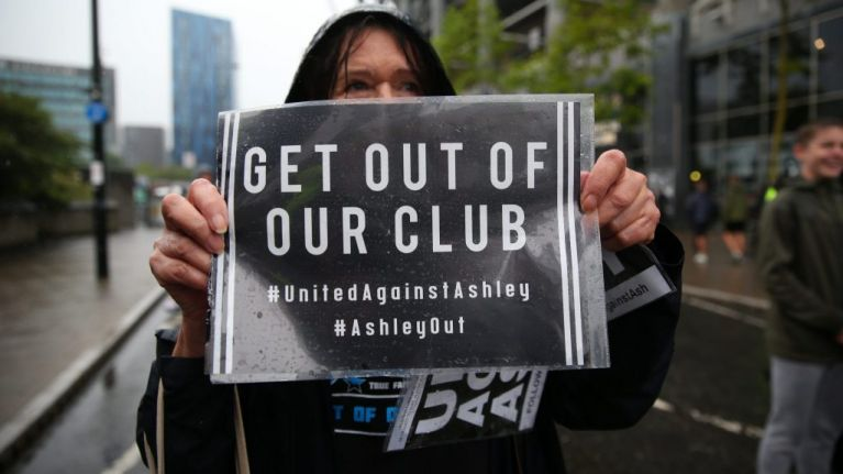 Newcastle fans protest Mike Ashley's ownership of club