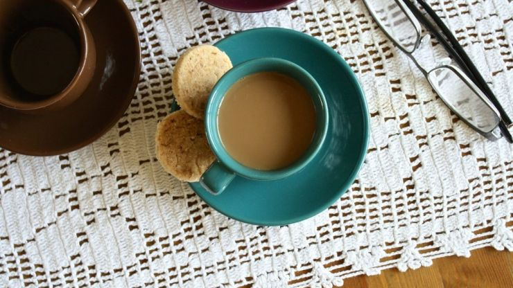 What biscuits last the longest in a cup of tea?