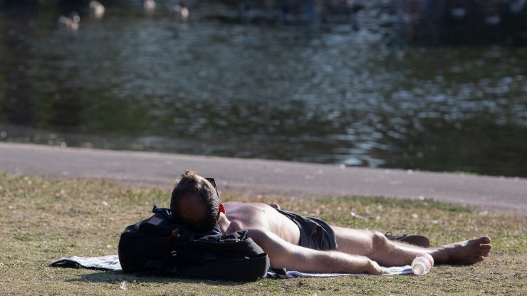 UK heatwave to continue throughout most of next week