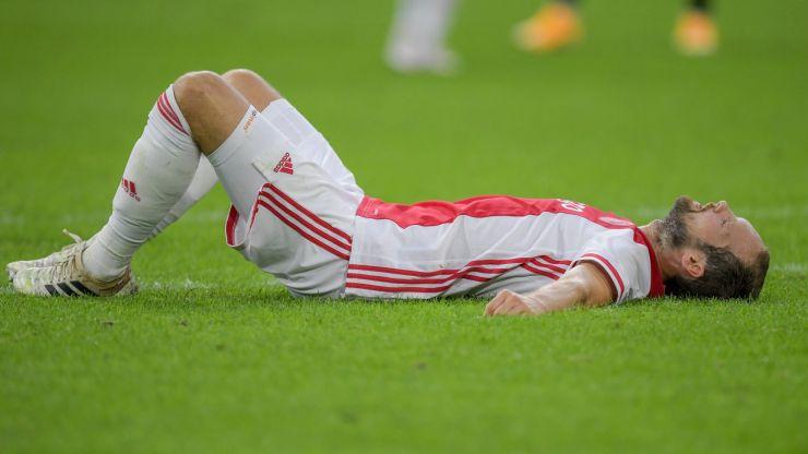 Former Man Utd defender Daley Blind collapses during Ajax friendly