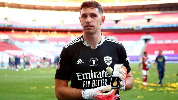 Emiliano Martinez undergoing medical ahead of Arsenal departure