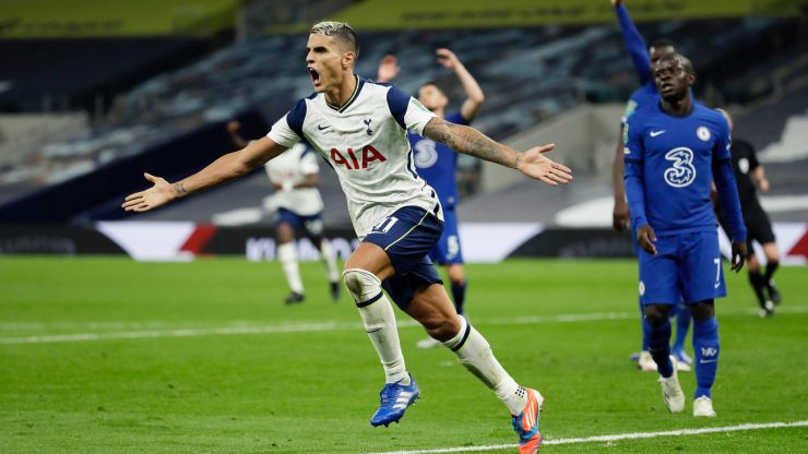 Why Erik Lamela wore odd boots against Chelsea