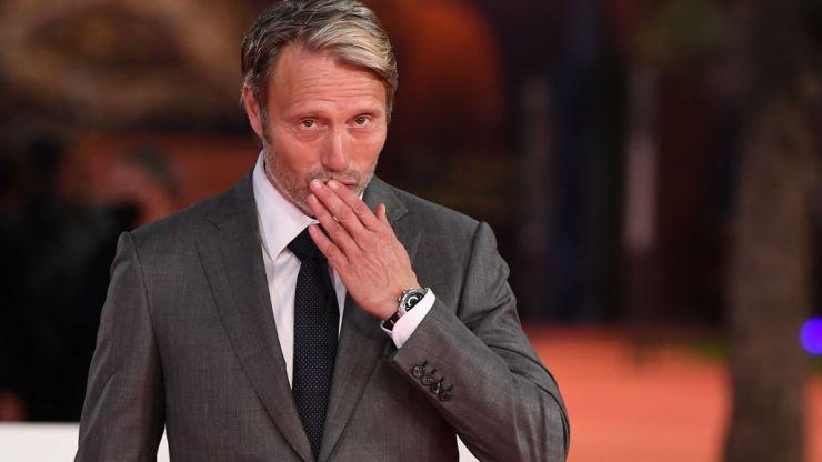 "Mads Mikkelsen ""shocked"" to replace Johnny Depp in Fantastic Beasts franchise"