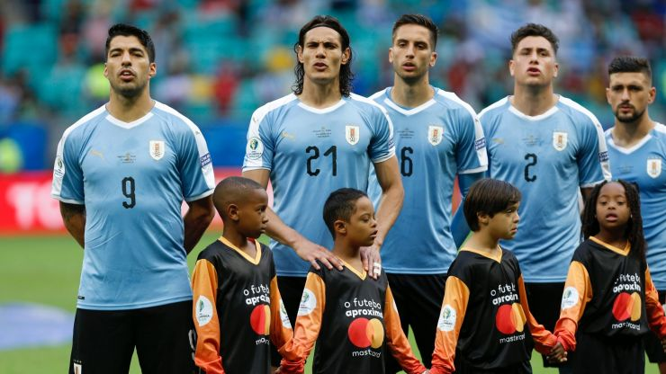 Uruguayan footballers condemn Edinson Cavani ban in brutal statement