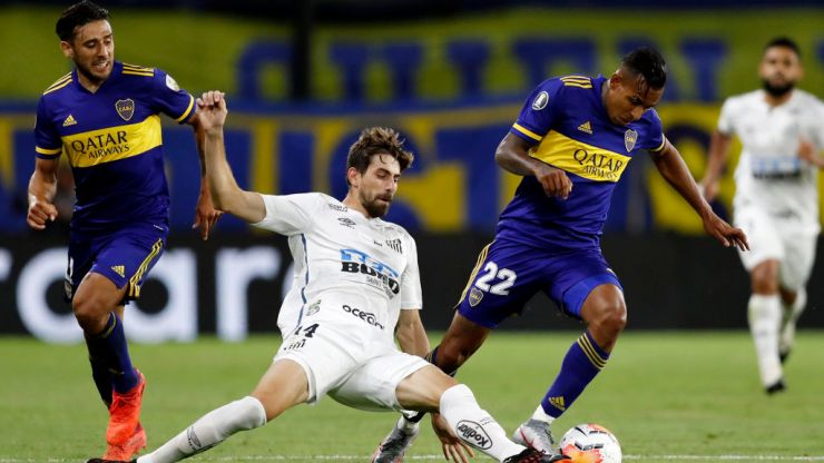 Santos goalkeeper plays against Boca Juniors after allegedly testing positive for Covid