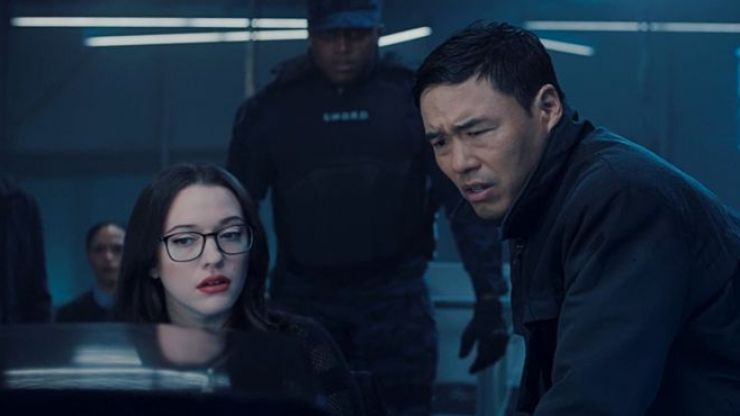 """INTERVIEW: Everything in WandaVision """"has a payoff"""" say stars Kat Dennings and Randall Park"""