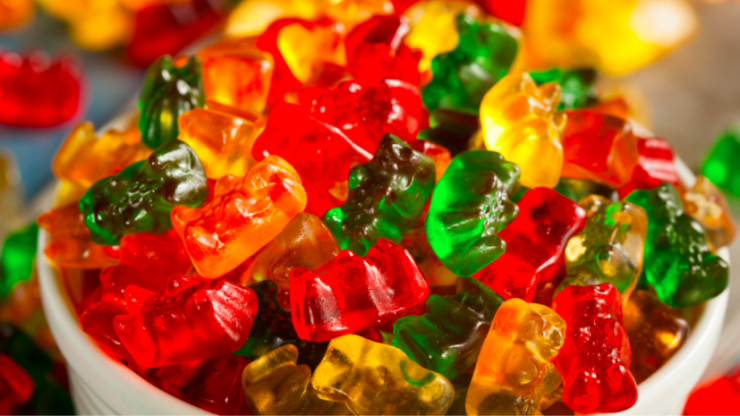 Celebrity trainer explains why you should eat gummy bears after a workout