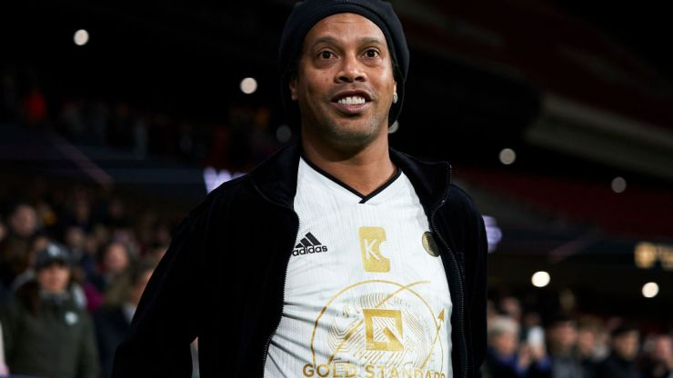 Lionel Messi sends support to Ronaldinho after his mother's death