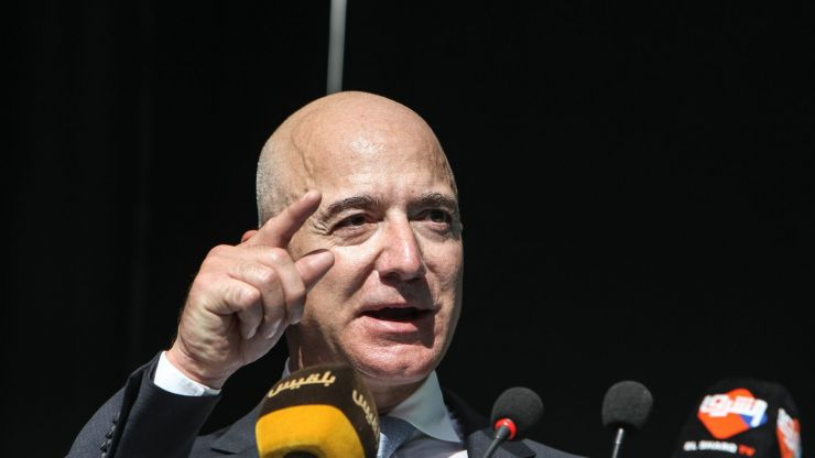 Petition for Jeff Bezos to be refused entry back to earth hits 150,000 goal
