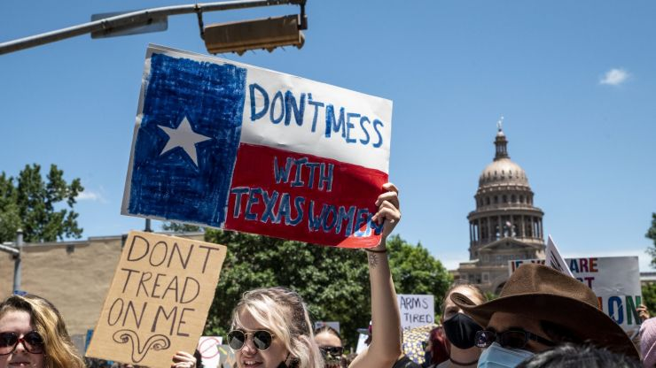 Texas offers $10,000 reward for people who turn in women who want abortions