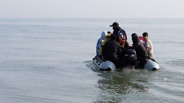 New record as more than 430 migrants cross Channel in one day