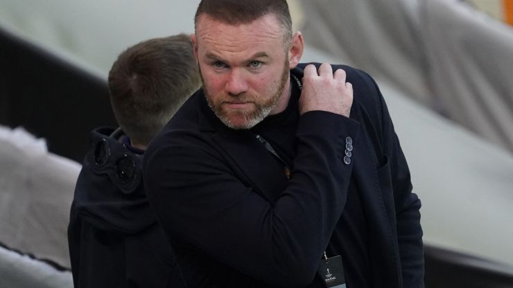 Wayne Rooney blackmail complaint caused by '£10k or Coleen sees this' message