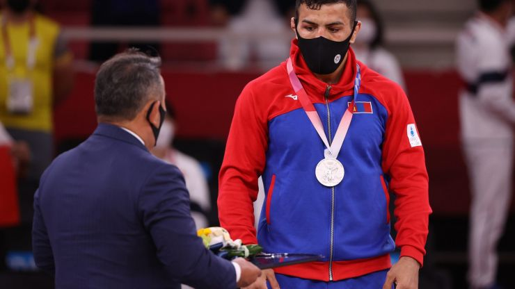 Iranian defector wins judo silver and dedicates Olympic medal to Israel