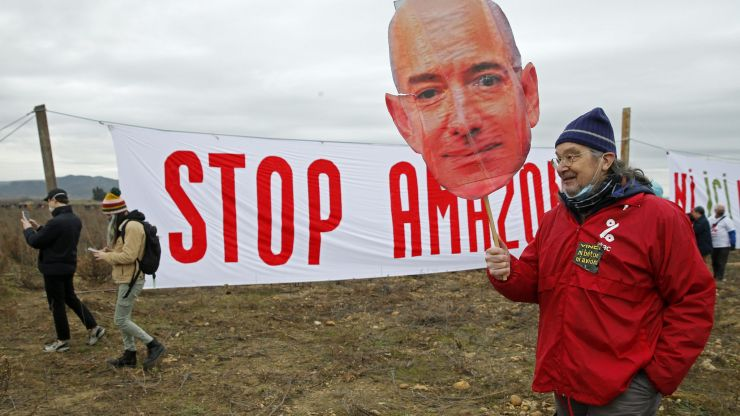 Amazon share price plunges, losing Jeff Bezos $13.5 billion