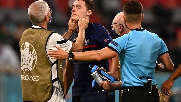 France criticised for allowing Benjamin Pavard to continue after being 'knocked out'