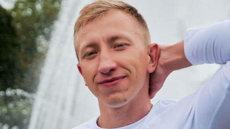 Crowds gather outside embassy after Belarusian activist found dead in Ukraine
