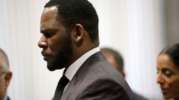 First man to accuse R Kelly of sexual abuse testifies in court