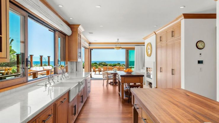 Pierce Brosnan takes $100M home off-market after a year without an offer