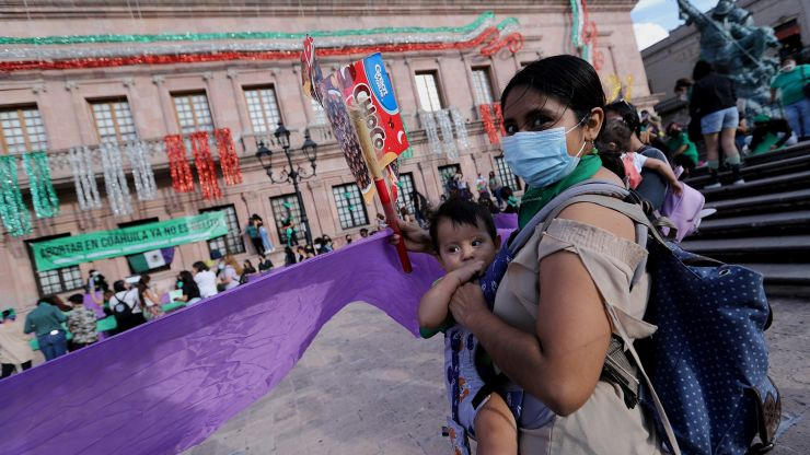 Mexico's supreme court votes to decriminalise abortion