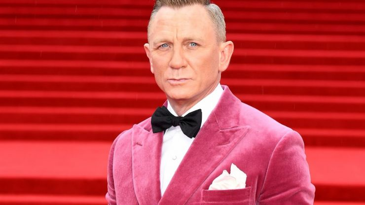 Why Daniel Craig shouldn't be going to gay bars