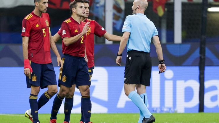 UEFA chief refereeing officer to meet with FIFA and IFAB over offside rule