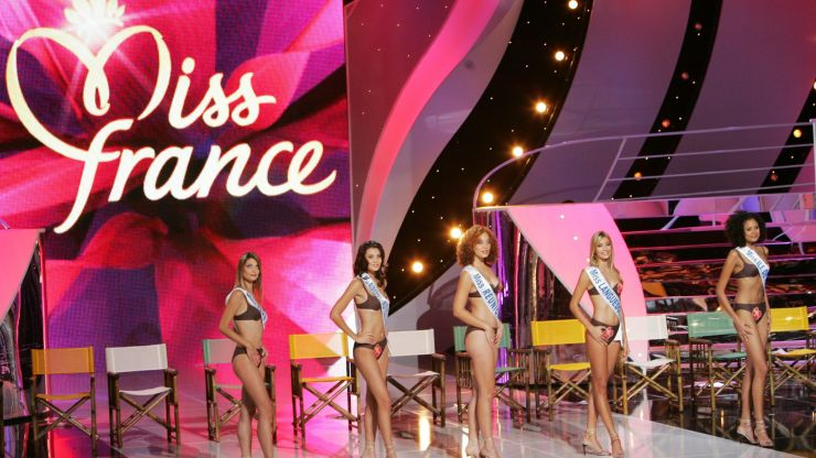 Beauty pageant sued for 'selecting based on appearance'