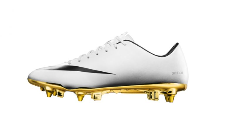 new photos 24542 c7131 Pics  Nike s new limited edition boots in honour of Cristiano Ronaldo are  ridiculously fancy