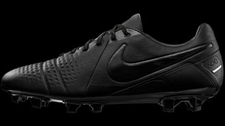 b4ebedeecf28 Nike launch new blacked out CTR 360 Maestri Limited Edition boots ...