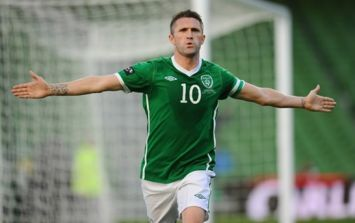 Video: Robbie Keane shows off his beautiful singing voice on the Ireland team bus