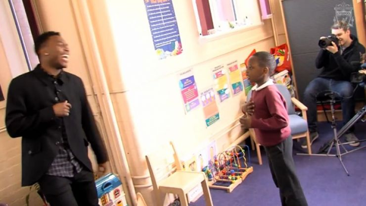 Video: These young Liverpool fans react brilliantly when Daniel Sturridge visits their school