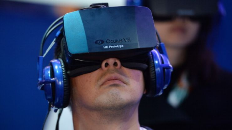 Video: Russian man hilariously overreacts to Oculus Rift experience