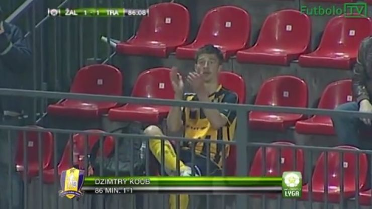 Video: Lithuanian footballer pulls off one of the celebrations of the season