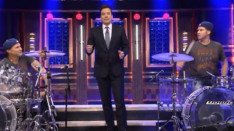 Video will ferrell and chad smith had their long awaited drum off on jimmy fallon last night - Will ferrell one man show ...