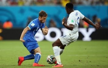 Vine: Super Mario scores! Italy 2 England 1