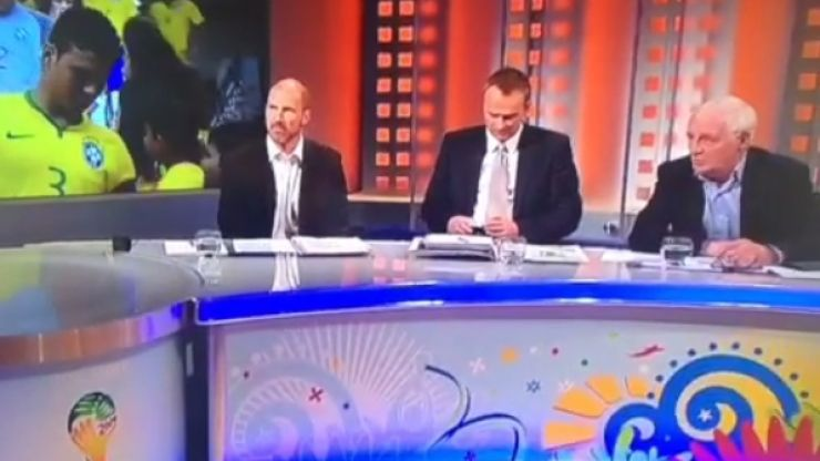 """Vine: Eamon Dunphy doesn't realise he's on air and says """"f*ck"""" before Billo steps in"""