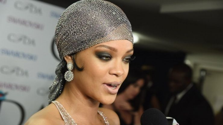Vine: Rihanna twerking in a very scantily-clad outfit, you say? (Slightly NSFW)