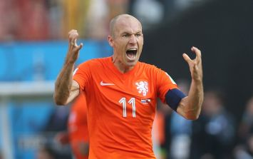 Arjen Robben apologises for diving but insists penalty appeal was legit